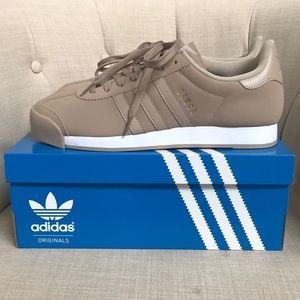 New* adidas Samoa Size 12